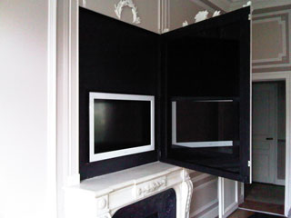 Les installations home cin ma audio et vid o blaack - Cacher tv derriere tableau ...
